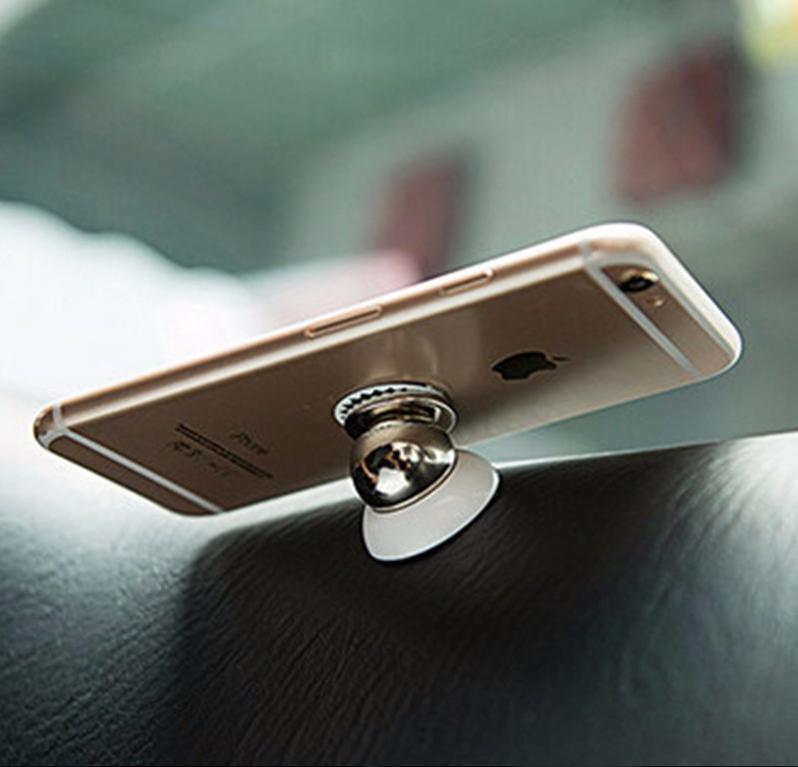 magnetický držák na mobil do auta - umístění v autě - 3
