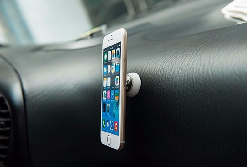 magnetický držák na mobil do auta - umístění v autě - 4