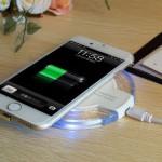Bezdrátová nabíječka pro mobilní telefony Qi Wireless – s mobilem 1