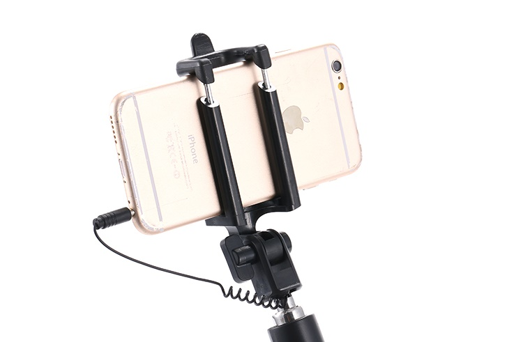Luxusni-selfie-tyc-s-tlacitkem-barva-cerno-zlata-06